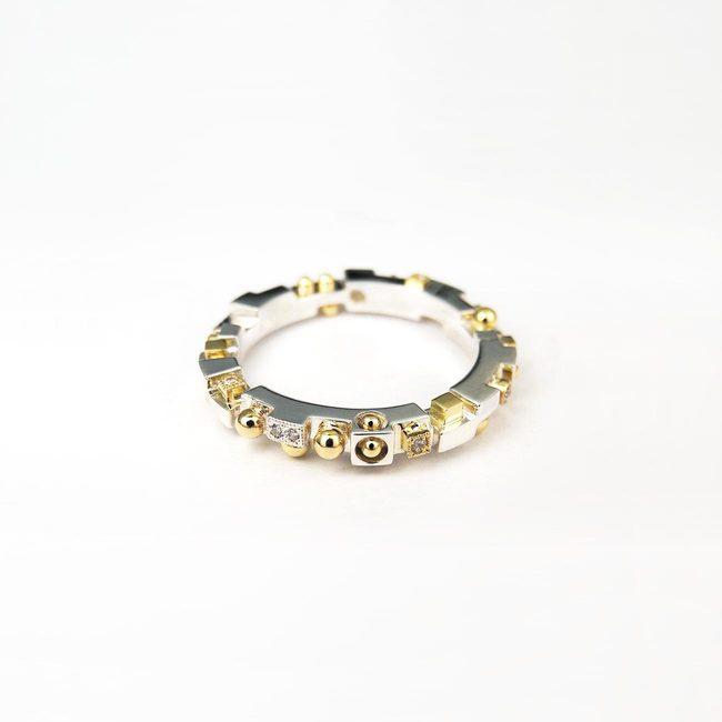 prstan ekstravaganten unikaten kubizem belo rumeno zlato diamanti