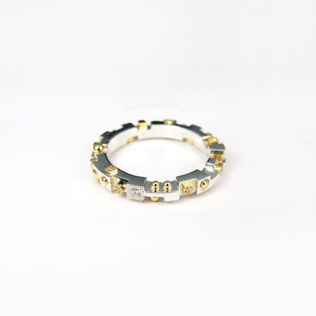 prstan unikaten kubizem ekstravaganten belo rumeno zlato diamanti
