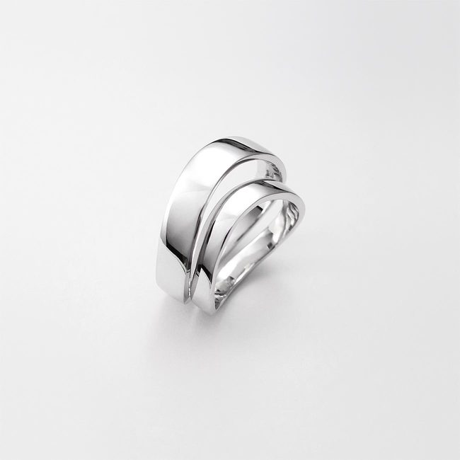 poročna prstana zavita zlato