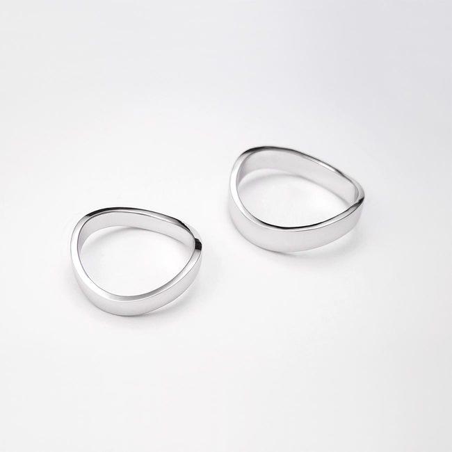 poročna prstana zavita