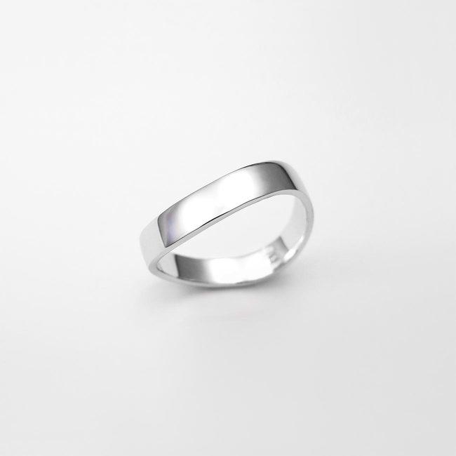 poročni prstan zavit