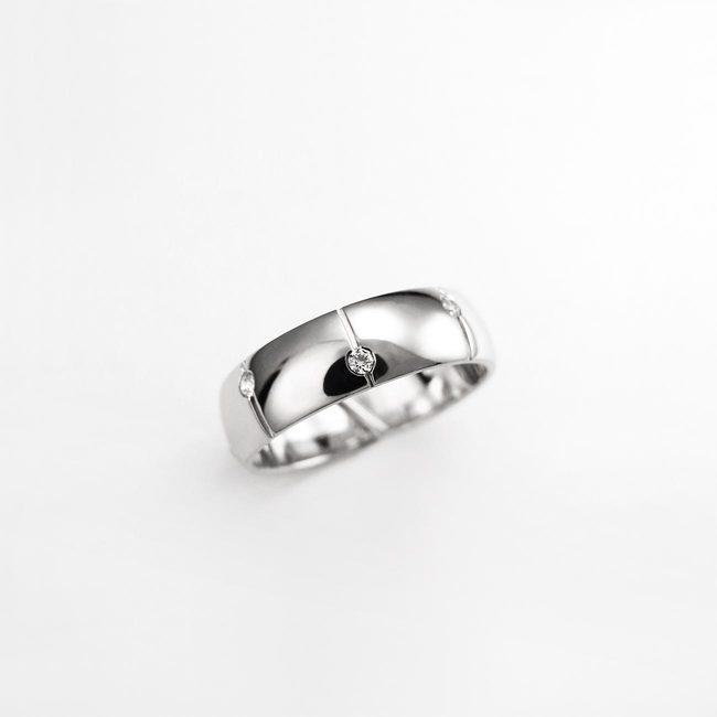 prstan poročni zlato belo pokoncne linije ženski