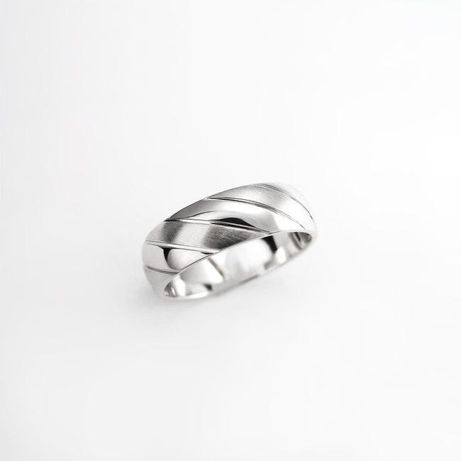 prstani poročni precne linije zlato moški mat