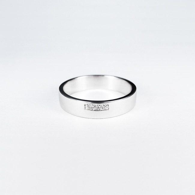 poročni prstani belo zlato moderna oblika
