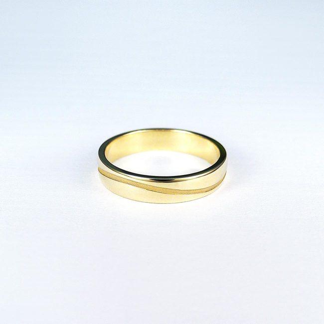 poročni prstani rumeno zlato in vijuga