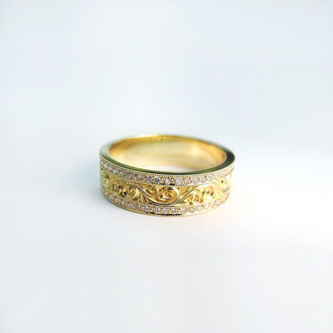 poročni prstan 18 karatno zlato in diamanti barocni vzorec