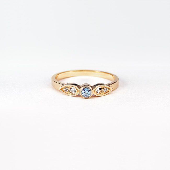 ring simpel blå topaz pink guld