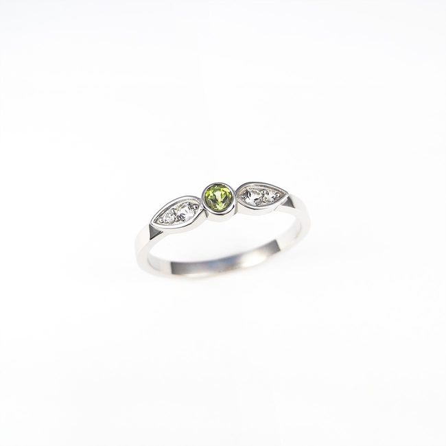 simple ring peridot topaz white gold