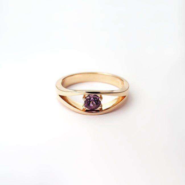 zlat prstan roza zlato ametist