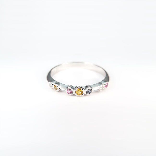 kleurrijke ring diamanten geel roze blauwe saffieren