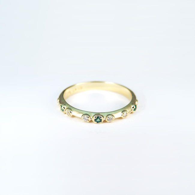 verlovingsring diamanten groene smaragden