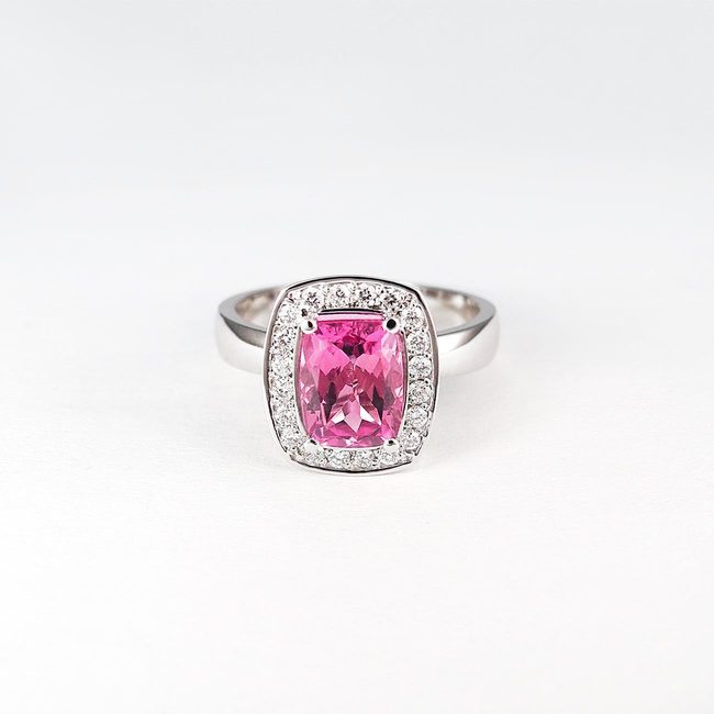 prstan roza turmalin diamanti zlato