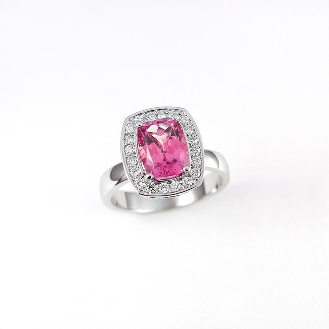 ring roze toermalijn diamanten halo