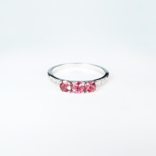 zlat prstan roza turmalini diamanti zaročni