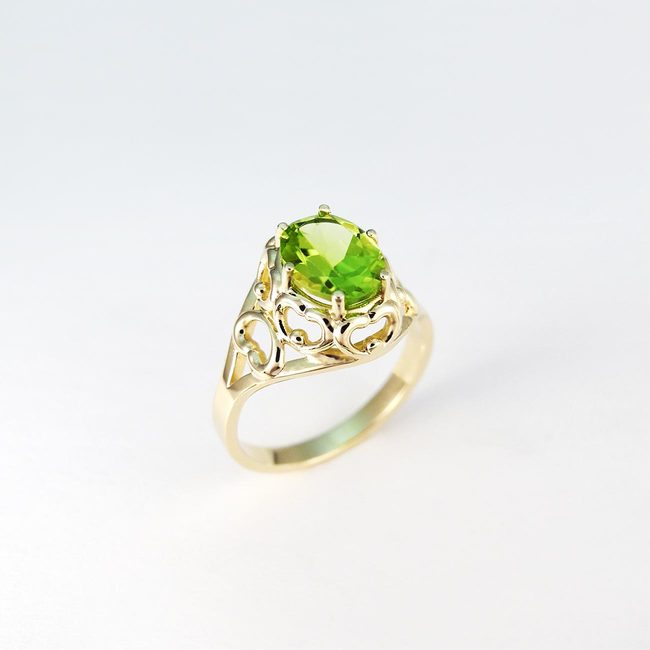 ring vintage yellow green peridot