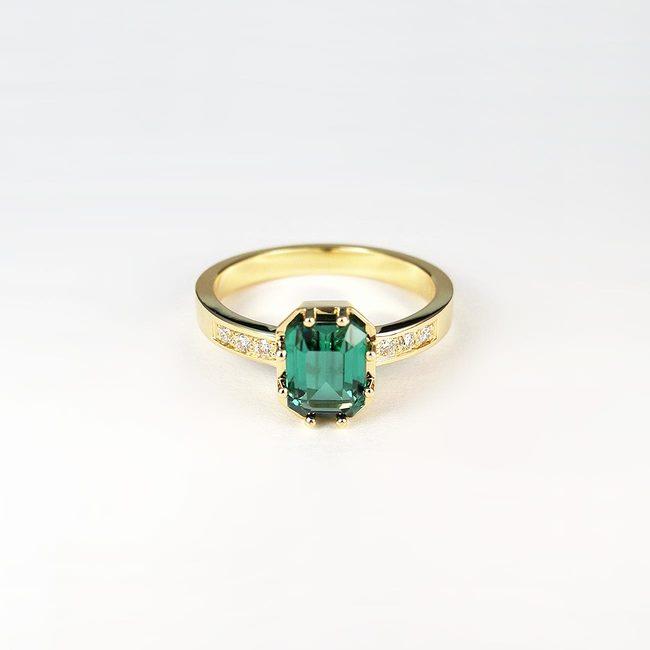18kt rumeno zlato prstan zelen turmalin