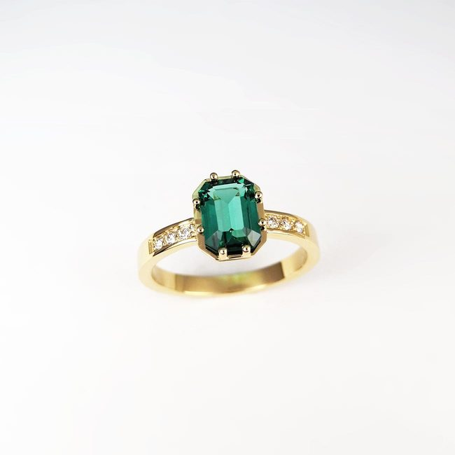 bague tourmaline verte en or jaune 18 carats