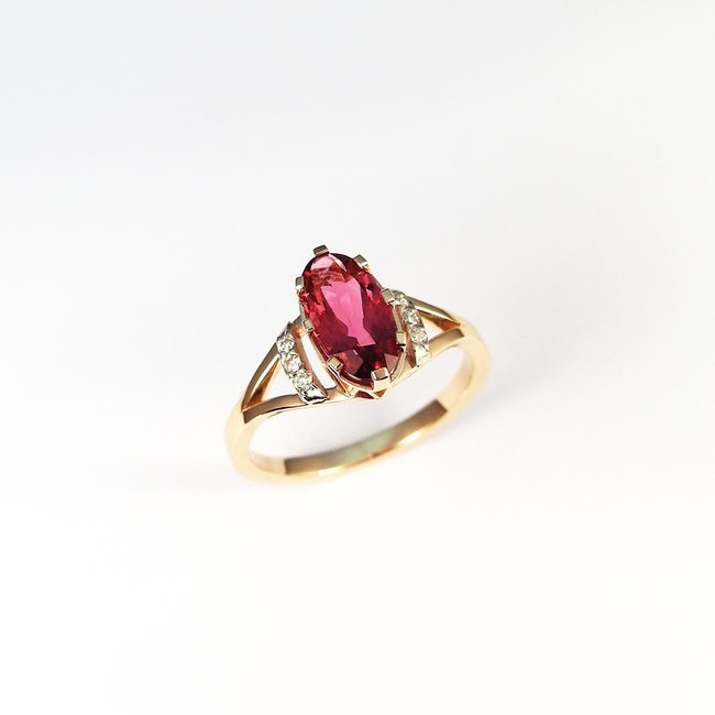 ring red rubelite diamonds
