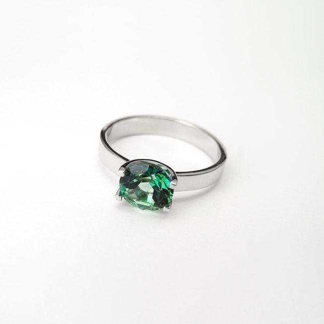 ring shape U natural topaz green