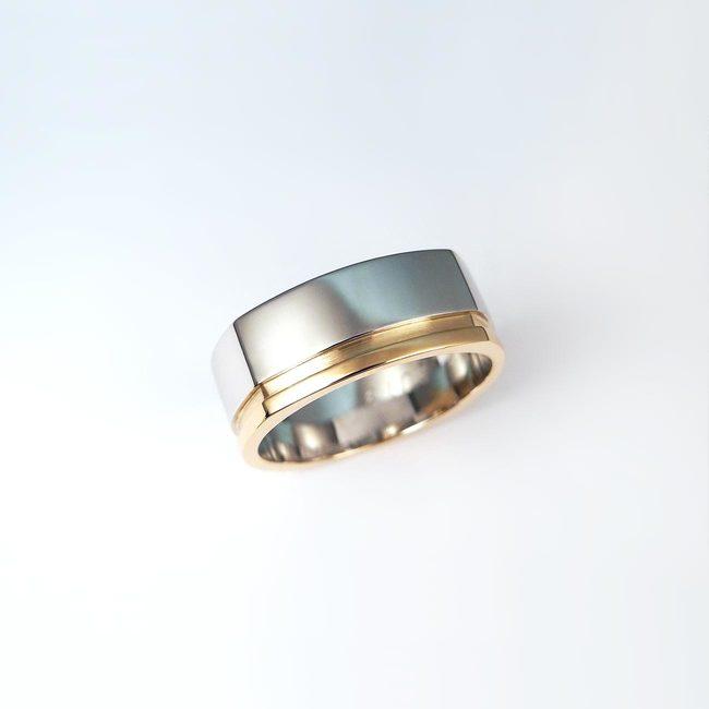 poročni prstan kombinacija belo roza zlato stirikotna oblika moški masiven