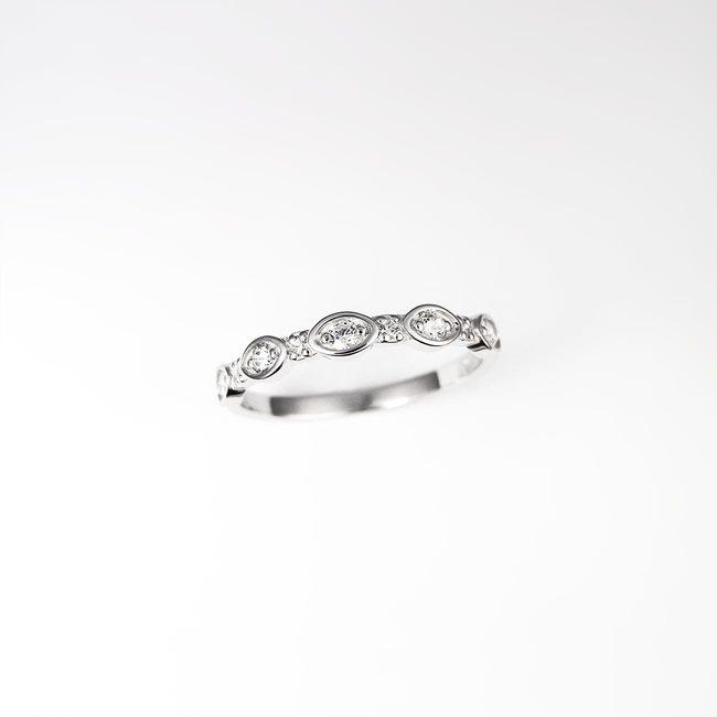 poročni prstan ženski naravna oblika list zlato diamanti