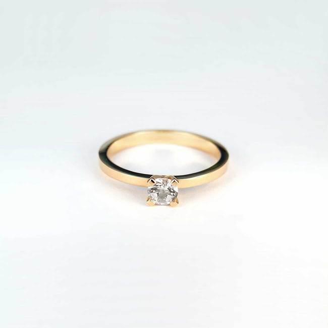 zaročni prstan roza zlato 030 bel safir