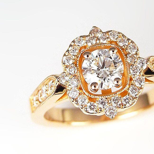 unikaten prstan diamanti in roza zlato povečava