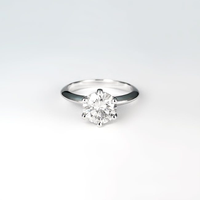 zaročni prstan 1.5 ct moissanite belo zlato