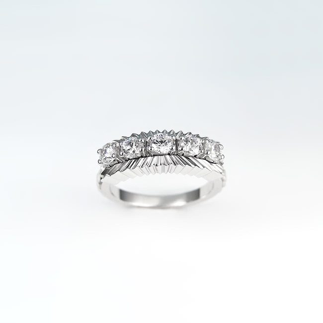 extravagant bague massive diamants en or blanc