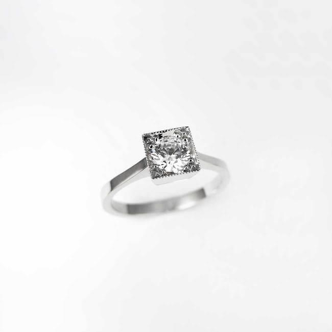 zaročni prstan kvadratna oblika