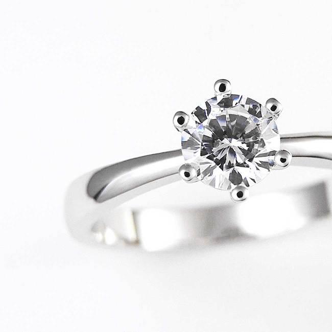 zaročni prstan minimalističen 6 krapn diamant cirkon povečava