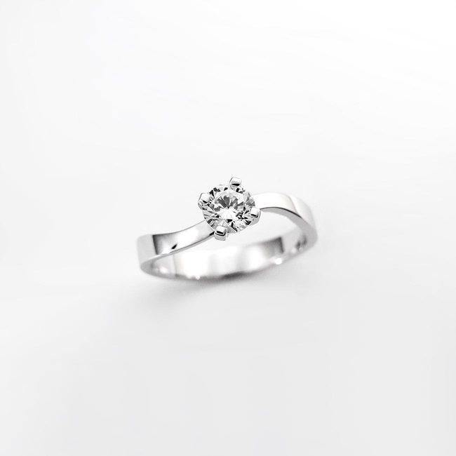 engagement ring curved nature diamond