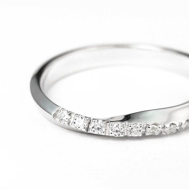 zavit zaročni prstan minimalističen