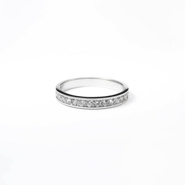 zaročni prstan diamanti ali cirkoni minimalističen z robom