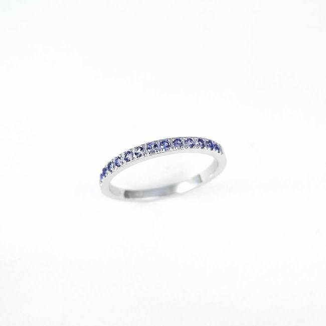 minimalističen zaročni prstan belo zlato beli diamanti