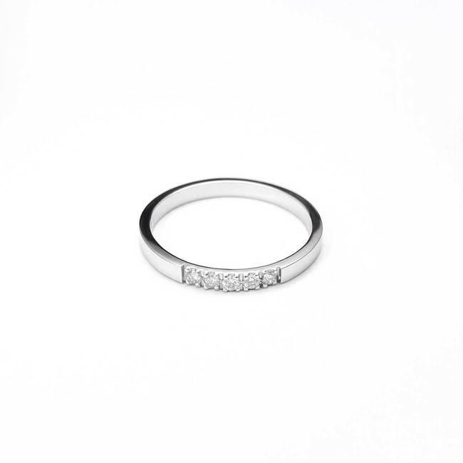 zaročni prstan belo zlato minimalističen beli diamanti
