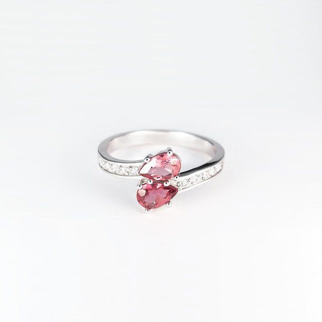 prsta zavito romantično zlato diamanti rodolit turmalin