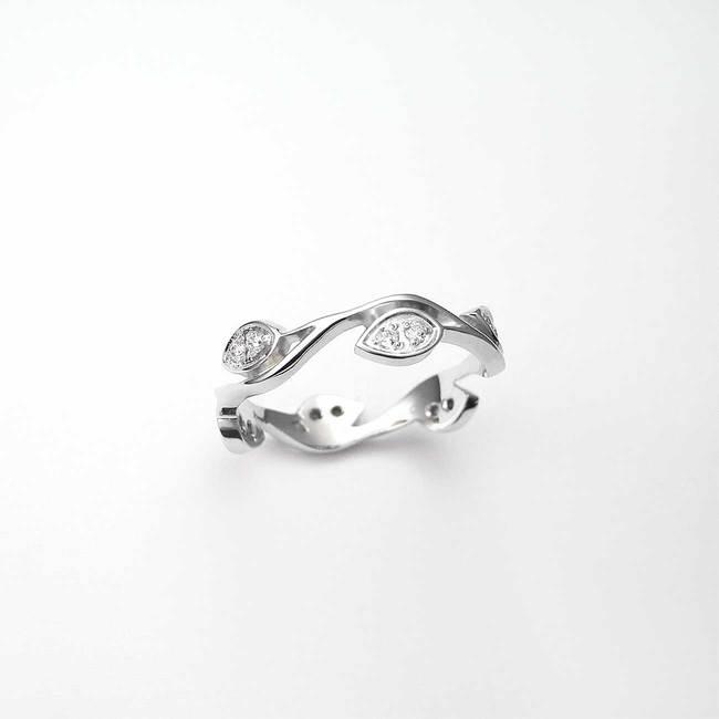 zaročni prstan narava listi diamanti belo zlato