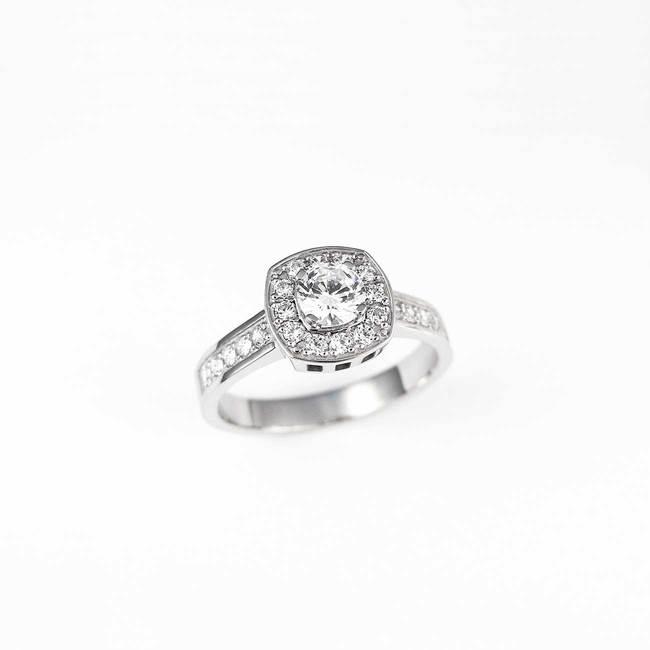 Anello cuscino taglio pietra principale halo diamanti oro bianco
