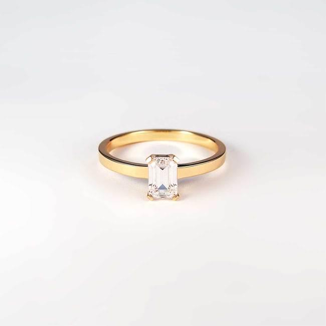 prstan emerald pravokoten kamen roza zlato