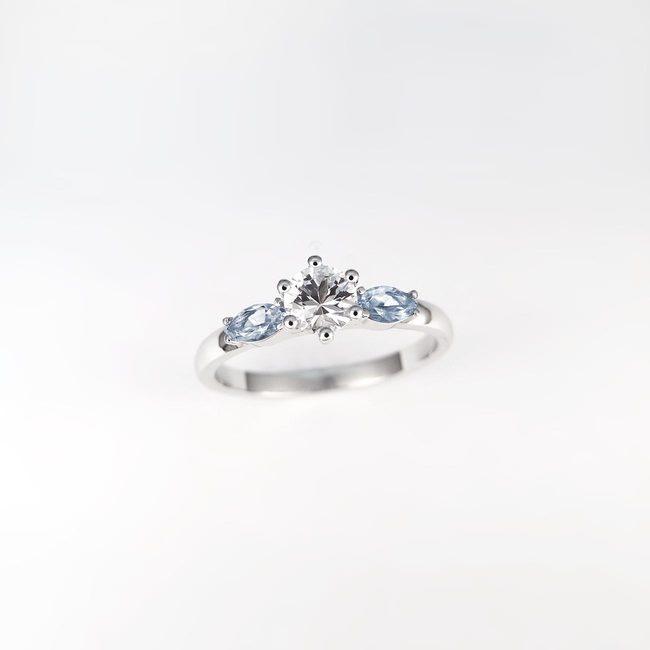 prstan zaročni okrogel špičast kamen cirkon topaz