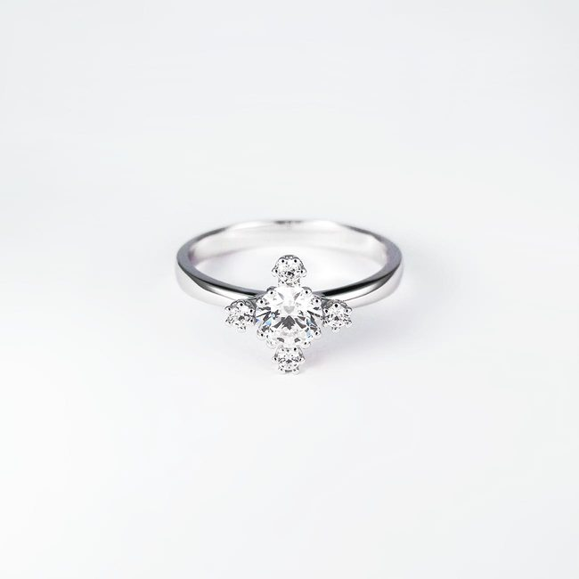 engagement ring modern sparkly