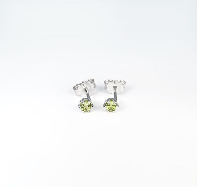 studs earrings white gold green peridot stones