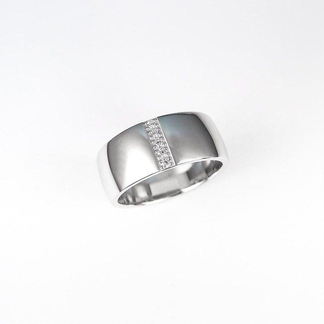 poročni prstan masiven ženski diamnti linija sredina