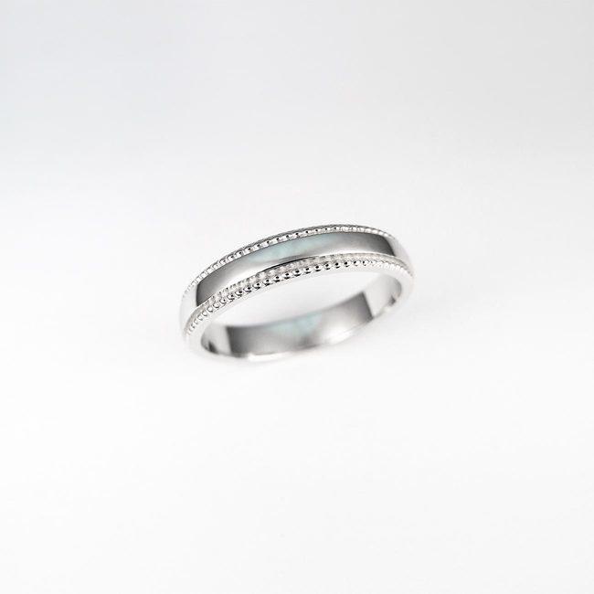 poročni prstan millgrain ob strani zlato