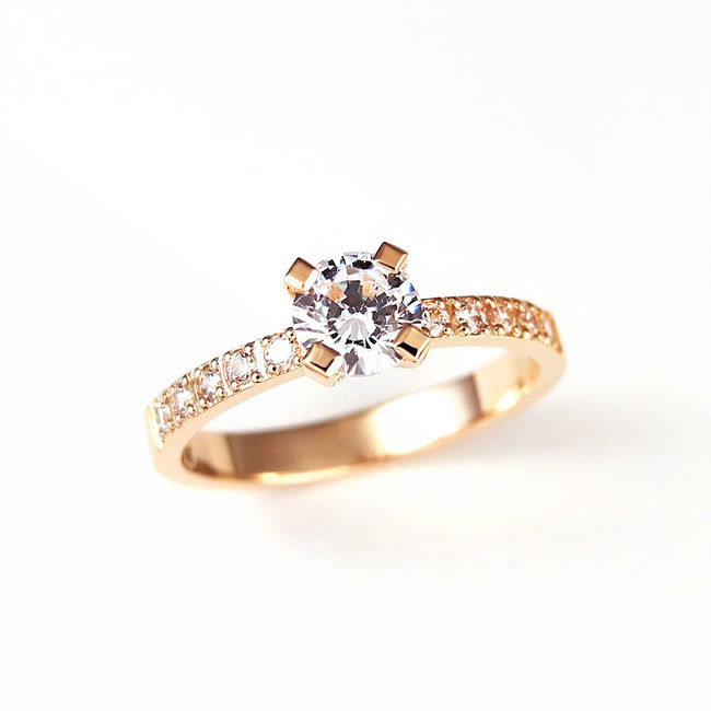 rose gold ring classical diamonds