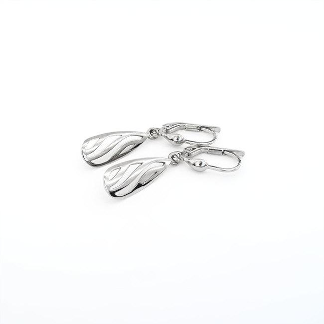 orecchini in oro bianco pera ondulata