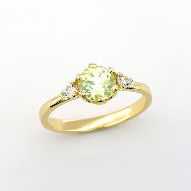 prstan svetlo zelen chrysolit rumeno zlato