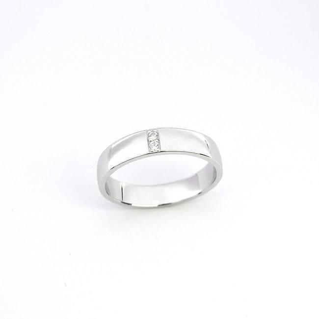 poročni prstan dva diamanta