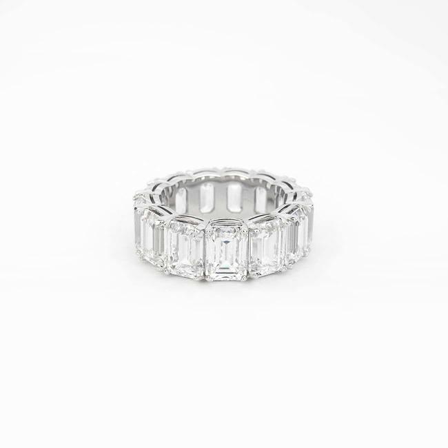 extravagant wedding ring emerald cut stones